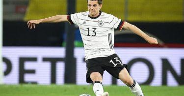 Der deutsche Nationalspieler Jonas Hofmann hat noch zwei Jahre Vertrag bei Borussia Mönchengladbach. Foto: Christian Charisius/dpa