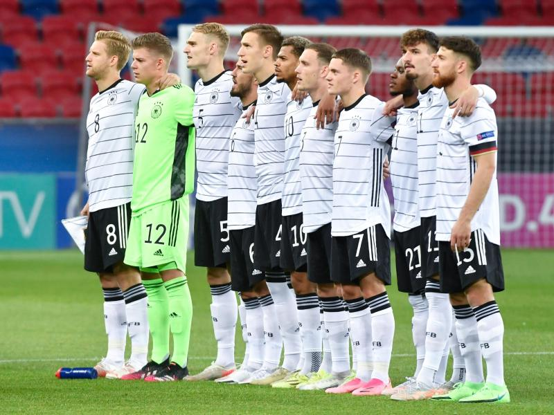 Im EM-Endspiel lässt U21-Trainer Kuntz gegen Portugal die selbe Startelf beginnen, die bereits im Halbfinale gegen die Niederlande startete. Foto: Marton Monus/dpa