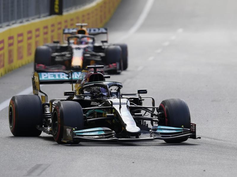 Fuhr in Baku ein historisch schlechtes Ergebnis ein: Lewis Hamilton. Foto: Darko Vojinovic/AP/dpa