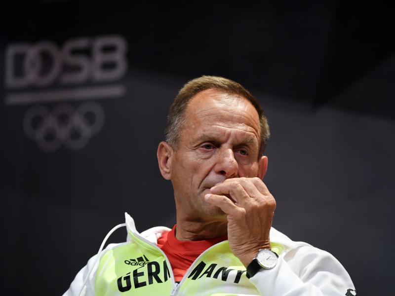 Steht beim DOSB in der Kritik: Alfons Hörmann. Foto: Ina Fassbender/AFP Pool/dpa