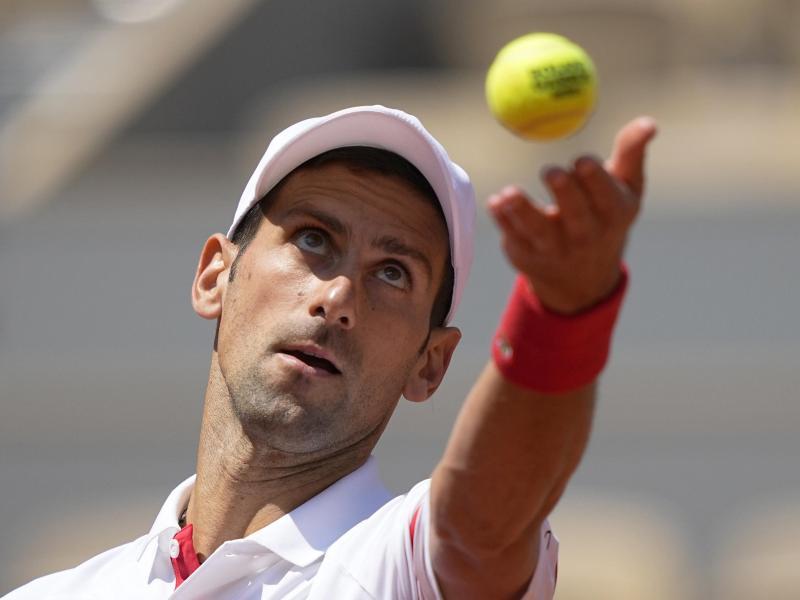 Hat bei den French Open das Halbfinale im Blick:Novak Djokovic. Foto: Michel Euler/AP/dpa