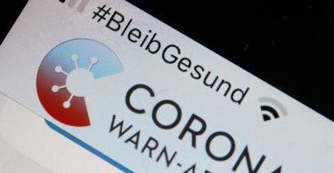 Mit der Version 2.3.2 kann die Corona-Warn-App auch einen digitalen Impfnachweis erfassen. Foto: Oliver Berg/dpa