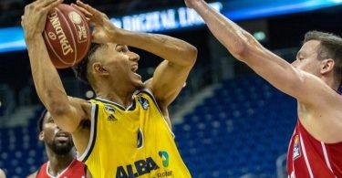 Maodo Lo (M.) erzielte die entscheidenden Punkte. Foto: Andreas Gora/dpa