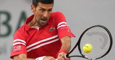 Novak Djokovic spielte in Paris in der Abendsession. Foto: Michel Euler/AP/dpa