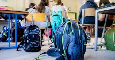 In den Schulen soll im Regelbetrieb unterrichtet werden - unabhängig davon, ob Schülerinnen und Schüler geimpft sind oder nicht. Foto: Christoph Soeder/dpa