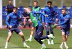 Bei der Fußball-EM starten die Engländer um Harry Kane (M.) ins Turnier. Foto: Nick Potts/PA Wire/dpa