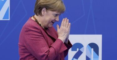 Bundeskanzlerin Angela Merkel (CDU) kommt zu einem Nato-Gipfel ins Nato-Hauptquartier. Foto: Patrick Semansky/Pool AP/dpa