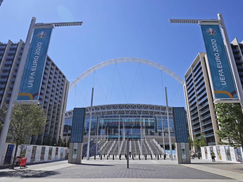 Für das EM-Finale im Wembley-Stadion werden 40.000 Zuschauer zugelassen. Foto: Frank Augstein/AP/dpa