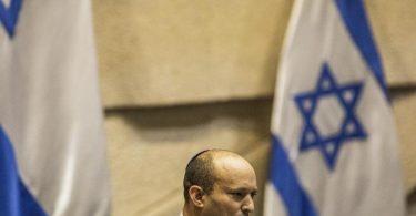 Der Flaggenmarsch setzt die neue Regierung von Regierungschef Naftali Bennett von der ultrarechten Jamina-Partei unter Druck. Foto: Ilia Yefimovich/dpa