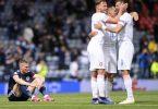 Jubel bei den Spieler Tschechiens, Enttäuschung beim Schotten Scott McTominay (l). Foto: Stu Forster/Getty Pool/AP/dpa