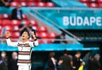 Portugals Cristiano Ronaldo jubelt über seinen Treffer zum 0:3. Foto: Robert Michael/dpa-Zentralbild/dpa