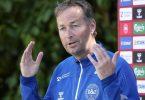 War in den letzten Tagen nicht nur als Trainer gefordert: Dänemark-Coach Kasper Hjulmand. Foto: Martin Meissner/AP/dpa