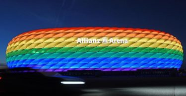 Der Lesben- und Schwulenverband in Deutschland begrüßt die Idee einer in Regenbogenfarben leuchtenden Münchner EM-Arena. Foto: Tobias Hase/dpa