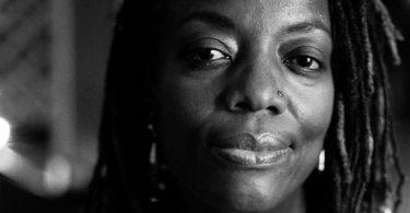 Die simbabwische Autorin und Filmemacherin Tsitsi Dangarembga. Sie erhält den Friedenspreis des Deutschen Buchhandels 2021. Foto: Mateusz Zaboklicki/Börsenverein des Deutschen Buchhandels/dpa