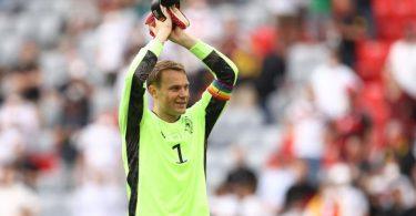Manuel Neuer wird auch gegen Ungarn die Regenbogen-Binde am Arm tragen. Foto: Christian Charisius/dpa