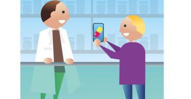 Statt eines rosa Zettels zeigen Nutzer des E-Rezepts in der Apotheke die Verordnung des Arztes auf ihrem Smartphone vor. Foto: dpa-infografik GmbH/dpa-tmn