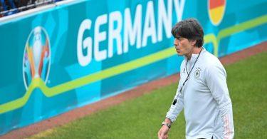 Fordert von seinem Team «punkten, siegen und erfolgreich sein»: Bundestrainer Joachim Löw. Foto: Federico Gambarini/dpa