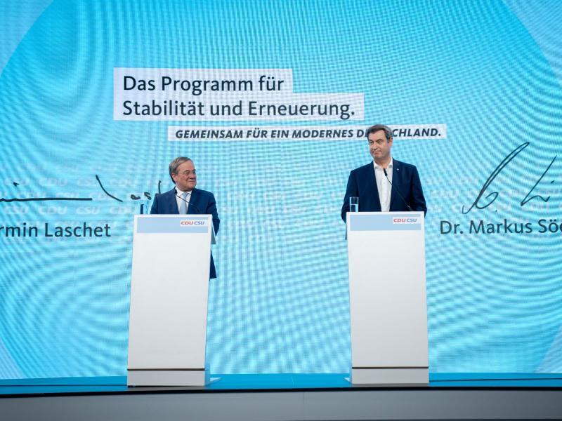 CDU-Chef Armin Laschet und CSU-Chef Markus Söder stellten das Programm für die Bundestagswahl vor. Foto: Kay Nietfeld/dpa