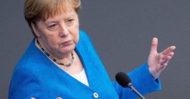 «Das sollte uns Warnung und Auftrag zugleich sein», sagte Kanzlerin Angela Merkel mit Blick auf den auch in Deutschland zunehmenden Anteil der Delta-Variante. Foto: Kay Nietfeld/dpa