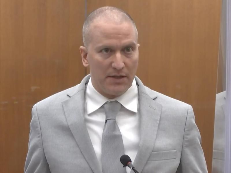 Der ehemalige Polizist Derek Chauvin im Gerichtssaal vor der Verkündung des Strafmaßes im Prozess. Foto: Court TV/AP/dpa
