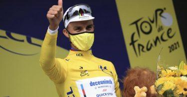 Julian Alaphilippe will seinen nächsten Etappensieg und das Gelbe Trikot verteidigen. Foto: Christophe Petit-Tesson/EPA Pool/AP/dpa