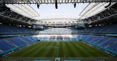 Das EM-Stadion in St. Petersburg. Die Corona-Zahlen steigen vor dem Viertelfinale in der Stadt deutlich an. Foto: Maxim Shemetov/Pool Reuters/AP/dpa