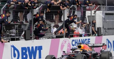 Max Verstappen scheint auf dem Weg zum WM-Titel in der Formel 1 derzeit nicht aufzuhalten zu sein. Foto: Darko Vojinovic/AP/dpa