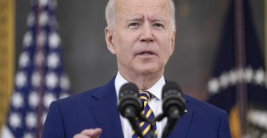US-Präsident Joe Biden habe die Luftangriffe angeordnet. Foto: Evan Vucci/AP/dpa