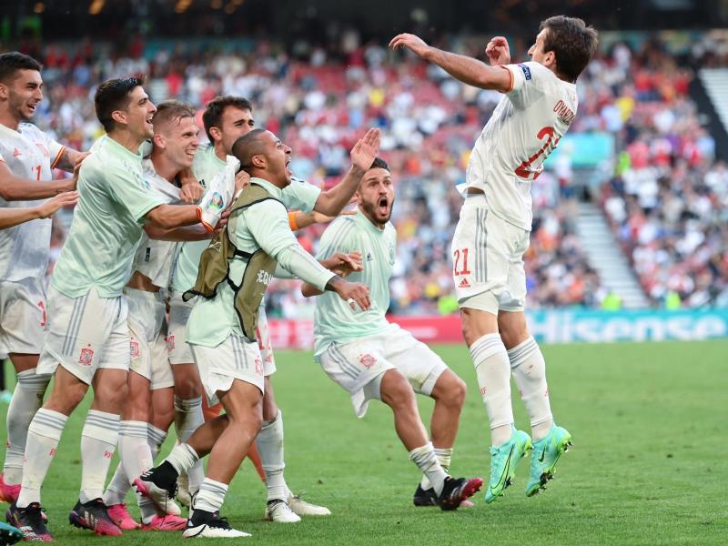Die Spanier setzten sich erst in der Verlängerung gegen Kroatien durch. Foto: Stuart Franklin/Pool Getty/AP/dpa