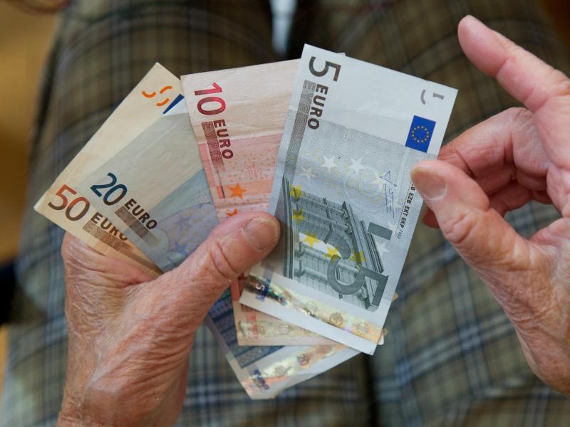 Rund 1,3 Millionen Menschen mit kleiner Rente bekommen einen Aufschlag. Foto: picture alliance / dpa