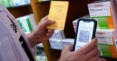 Betrüger versuchen telefonisch an die Daten Geimpfter heranzukommen. Foto: Sven Hoppe/dpa