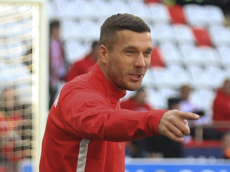 Lukas Podolski 2020 im Trikot des türkischen Fußballclubs Antalyaspor. Der Fußballer steigt beim «Supertalent» ein. Foto: -/AP/dpa