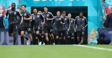 Mit drei Änderungen in der Startelf startet die DFB-Elf im Prestigeduell gegen England. Foto: Christian Charisius/dpa