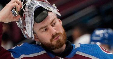 Eishockey-Nationaltspieler Philipp Grubauer ist zum drittbesten Torhüter der NHL-Hauptrunde gewählt worden. Er spielt für die Colorado Avalanche. Foto: David Zalubowski/AP/dpa