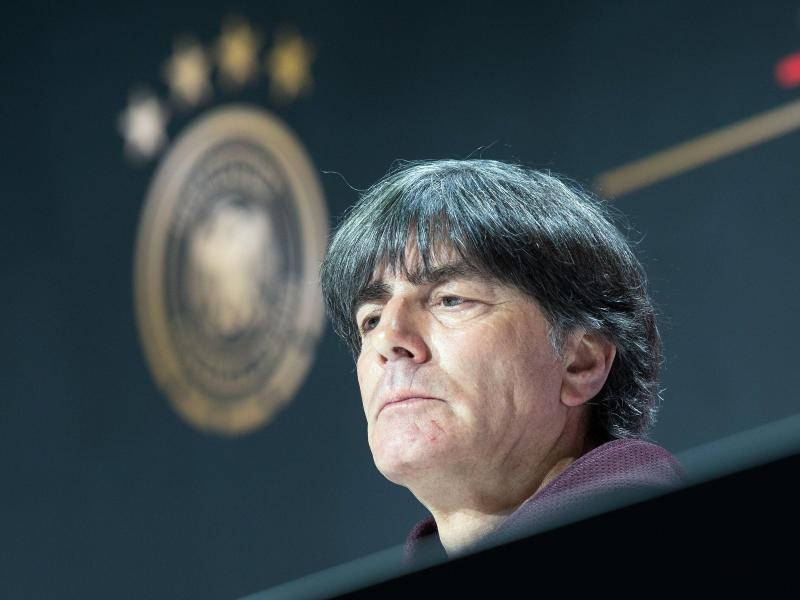 Trat einen Tag nach dem EM-Aus gegen England das letzte Mal als Bundestrainer vor die Presse: Joachim Löw. Foto: Federico Gambarini/dpa