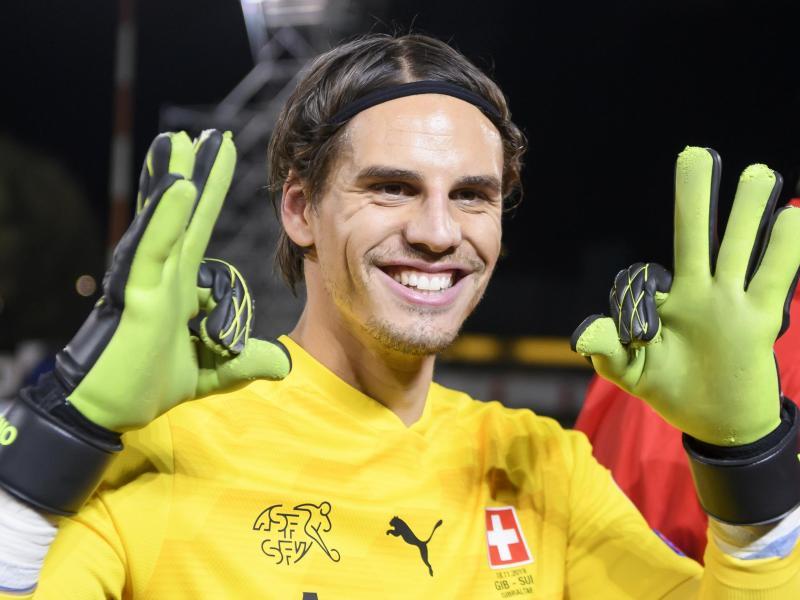 Der Schweizer Torhüter Yann Sommer ist einer von noch 27 im EM-Turnier verbleibenen Bundesliga-Spielern. Foto: Anthony Anex/KEYSTONE/dpa