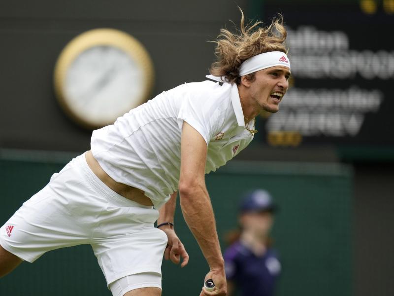 Am Donnerstag in Wimbledon gefordert: Alexander Zverev. Foto: Alberto Pezzali/AP/dpa