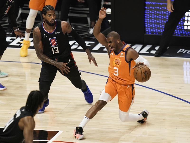 Chris Paul (r.) führte die Phoenix Suns in die Finals. Foto: Jae C. Hong/AP/dpa