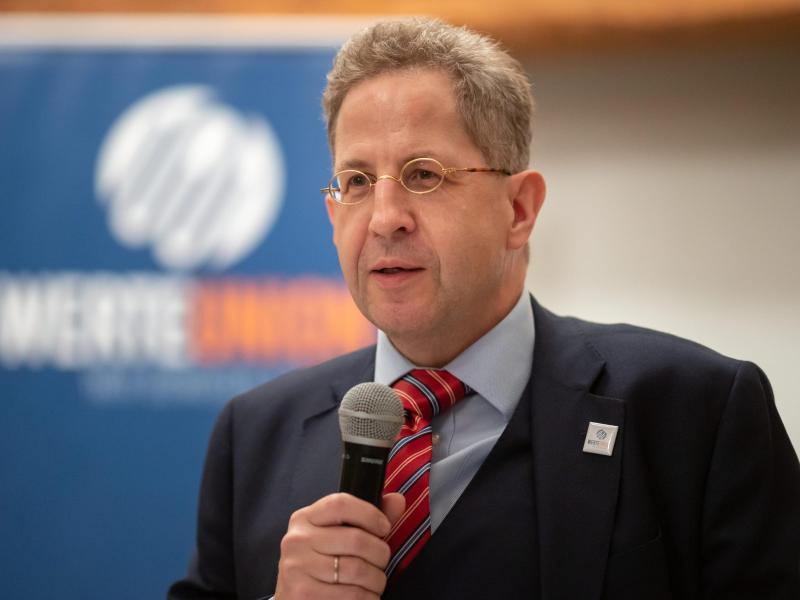 Hans-Georg Maaßen (CDU), Ex-Verfassungsschutzpräsident, bei einer Wahlkampfveranstaltung in Thüringen. Foto: Michael Reichel/dpa