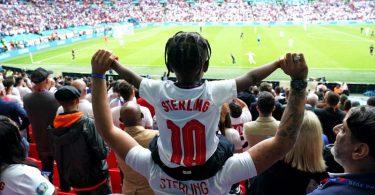 Bei den drei verbliebenen EM-Spielen werden mindestens 60.000 Zuschauer im Wembley-Stadion zugelassen. Foto: Mike Egerton/PA Wire/dpa