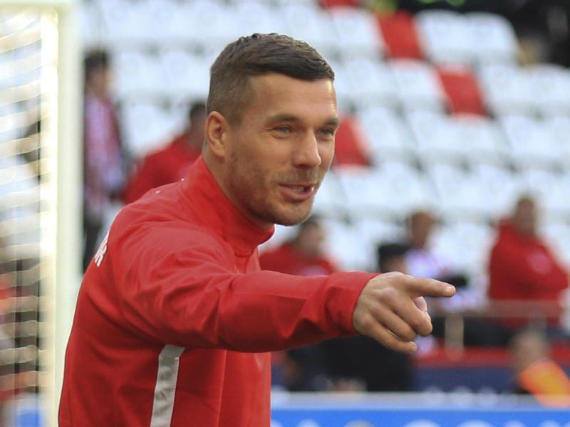 Podolski hat beim polnischen Erstligisten Gornik Zabrze einen Einjahresvertrag unterschrieben. Foto: -/AP/dpa