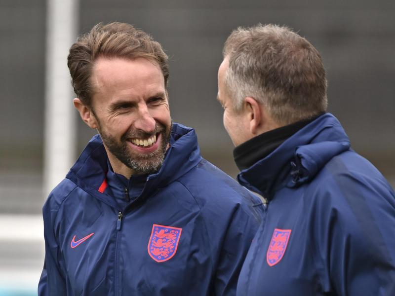 Würde den Engländern gern den langgehegten Traum vom Einzug ins EM-Finale erfüllen: Trainer Gareth Southgate (l). Foto: Rui Vieira/AP/dpa