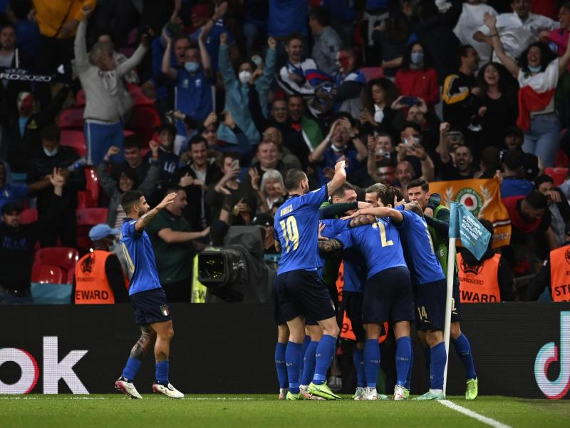 Italien steht als erstes Team für das EM-Finale in London fest. Foto: Andy Rain/Pool EPA/AP/dpa