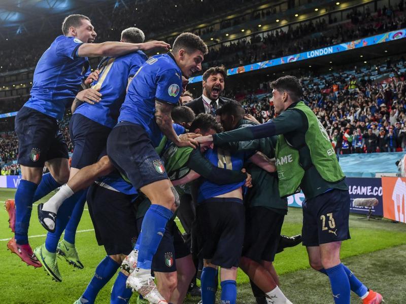 Italien steht als erstes Team für das EM-Finale in London fest. Foto: Justin Tallis/Pool AFP/AP/dpa