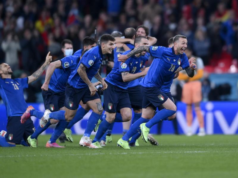 Italien spielt am Sonntag im Finale in Wembley um den EM-Titel. Foto: Laurence Griffiths/Pool Getty/AP/dpa