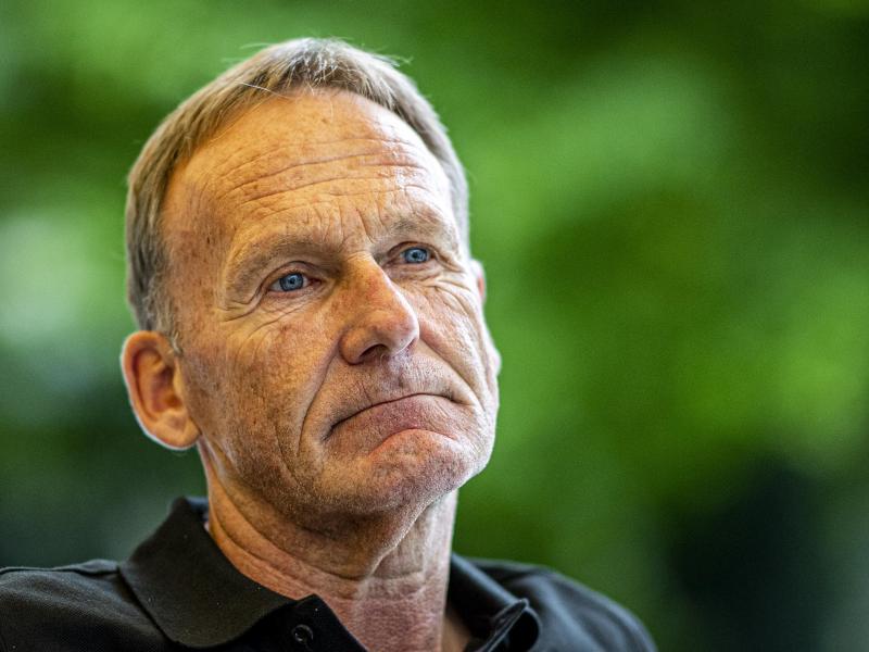 Schaut trotz Zuschauerrückkehr noch besorgt in die Zukunft:BVB-Boss Hans-Joachim Watzke. Foto: David Inderlied/dpa