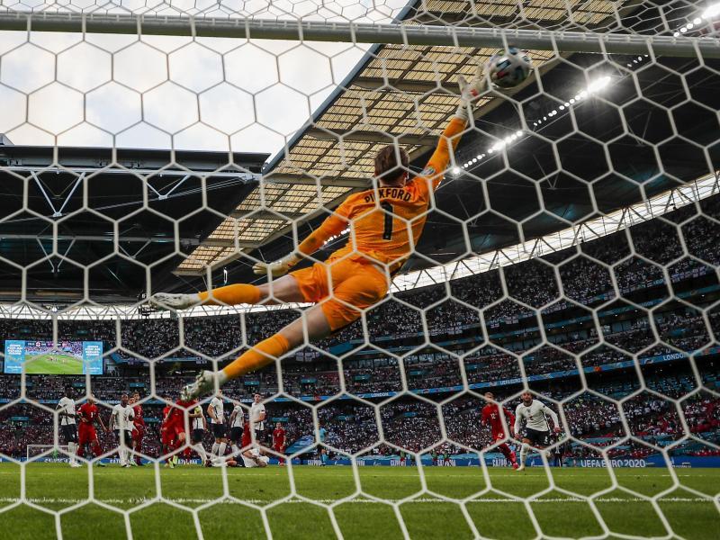 Spielt eine starke EM: Englands Torhüter Jordan Pickford. Foto: Frank Augstein/AP/dpa