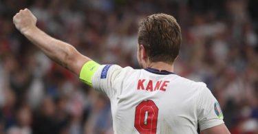 Englands Kapitän Harry Kane setzt auf die Unterstüzung durch die heimischen Fans. Foto: Laurence Griffiths/Pool Getty/AP/dpa