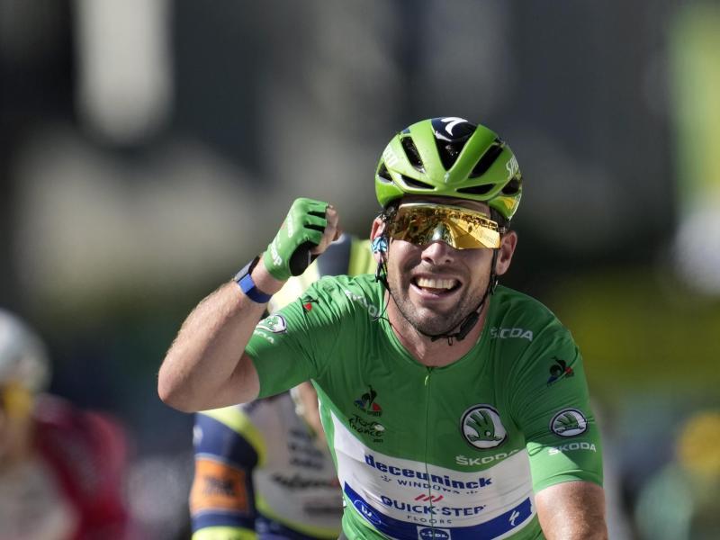 Merckx-Rekord eingestellt: Mark Cavendish holte sich seinen 34. Tagessieg bei der Tour de France. Foto: Christophe Ena/AP/dpa