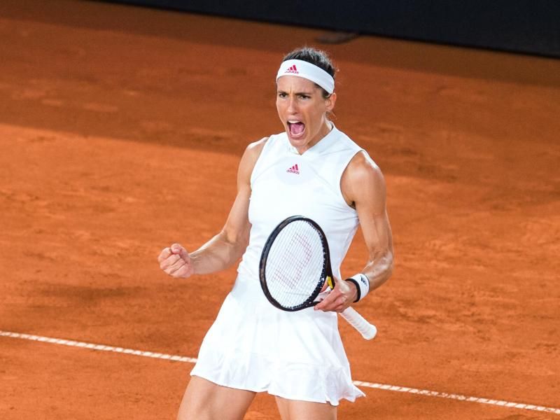 Andrea Petkovic gewann ihr Halbfinale glatt in zwei Sätzen. Foto: Daniel Bockwoldt/dpa